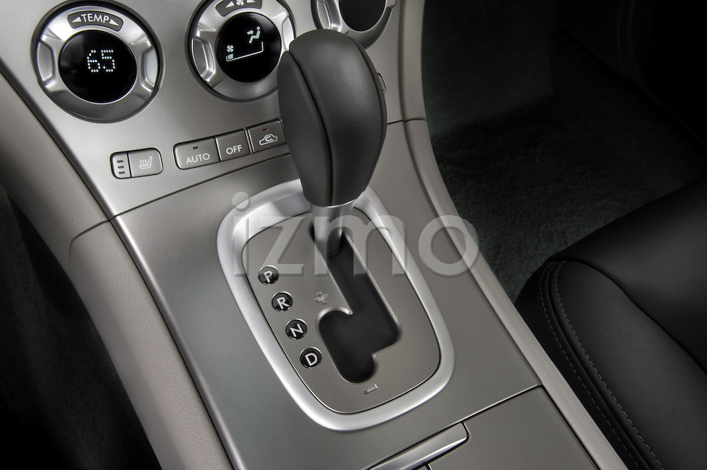 Gear shift detail of a 2008 Subaru Tribeca SUV