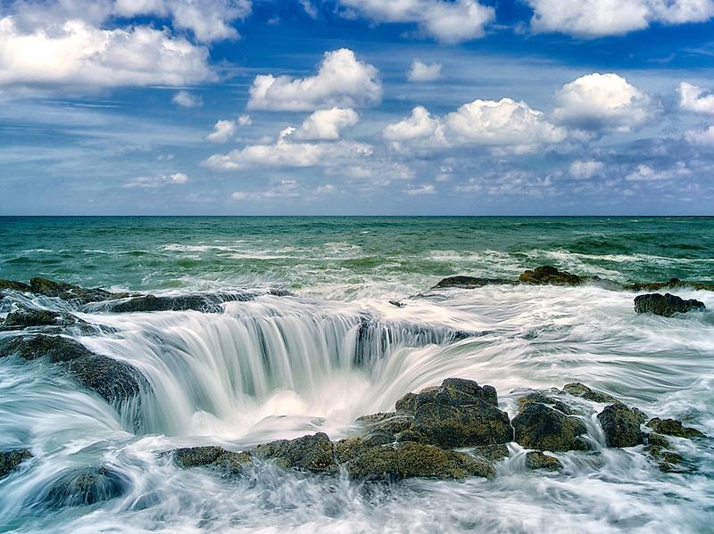 Thor's Well. Oregon coast.