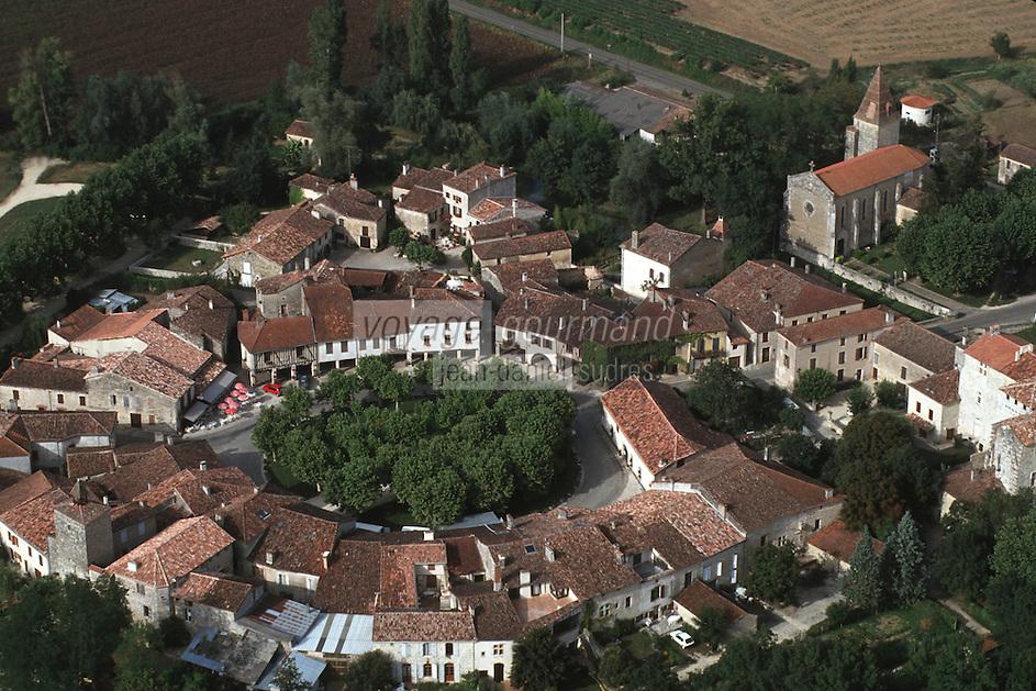 Europe/France/Midi-Pyrénées/32/Gers/Fourcès: vue aérienne de la Bastide