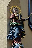 Marienstatue in der Hauptstraße, Miltenberg in Unterfranken, Bayern, Deutschland