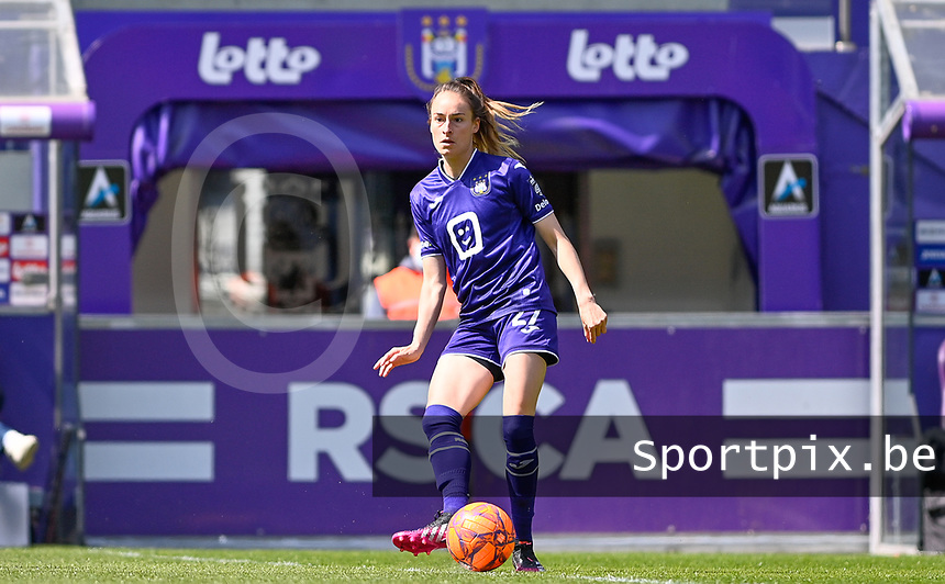 Tessa Wullaert (27) of Anderlecht pictured during a female soccer game between RSC Anderlecht Dames and Standard Femina De Liege on the third matchday of play off 1 of the 2020 - 2021 season of Belgian Womens Super League , saturday 24 th of April 2021  in Brussels , Belgium . PHOTO SPORTPIX.BE | SPP | DAVID CATRY