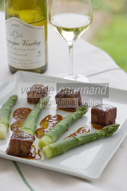 Europe/France/Bourgogne/89/Yonne/Saint-Père-sous -Vézelay: Asperges aux tendrons de veau recette de Marc Meneau Chef de l'Espérance Hotel restaurant - Relais et château