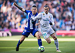 Gareth Bale (R) of Real Madrid fights for the ball with Daniel Alejandro Torres Rojas, D Torres, of Deportivo Alaves during the La Liga 2017-18 match between Real Madrid and Deportivo Alaves at Santiago Bernabeu Stadium on February 24 2018 in Madrid, Spain. Photo by Diego Souto / Power Sport Images