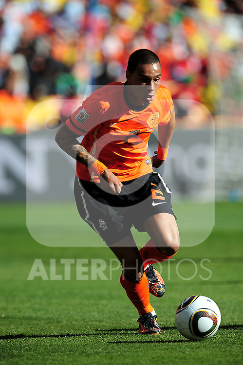 2 Gregory VAN DER WIEL during the 2010 World Cup Soccer match between Denmark and Nederland played at Soccer City Stadium in Johannesburg South Africa on 14 June 2010.