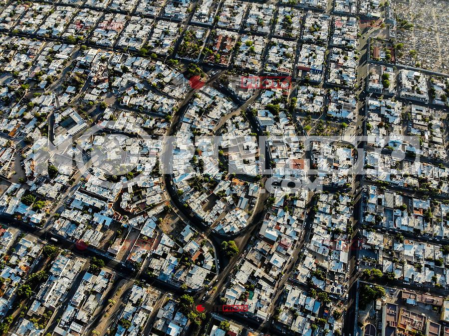Vista aérea del ojo arquitectónico, casas y calles de la colonia Modelo de Hermosillo<br /> <br /> Photo: (NortePhoto / LuisGutierrez)<br /> <br /> ...<br /> keywords: dji, aérea, djimavic, mavicair, aerial photo, aerial photography, Paisaje urbano, fotografia aérea, foto aérea, urbanístico, urbano, urban, plano, arquitectura, arquitectura, diseño, diseño arquitectónico, arquitectónico, urbe, ciudad, capital, luz de dia, dia urbe, ciudad, Hermosillo, urban landscape, landscape urban .<br /> .<br /> Tiro de alto ángulo del scape de la ciudad contra el cielo. Townscape.<br /> High Angle Shot Of Townscape Against Sky
