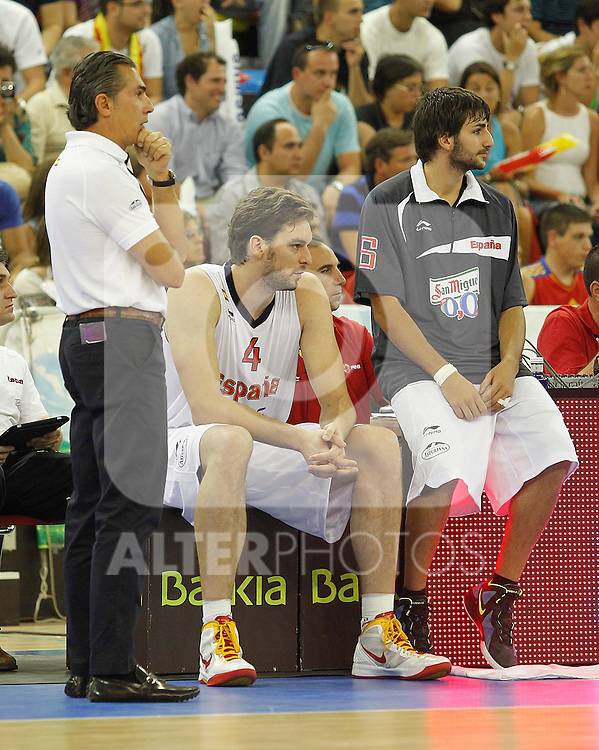 Spain's coach Sergio Scariolo, Pau Gasol and Ricky Rubio during friendly match.August 13,2011. (ALTERPHOTOS/Acero)