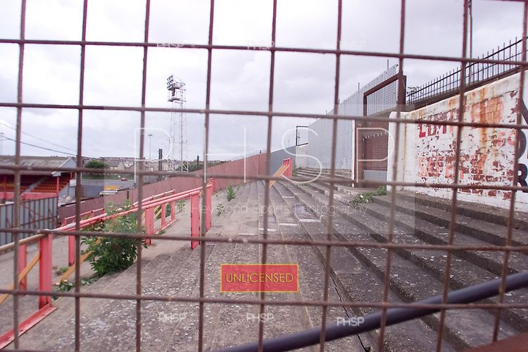 23/06/2000 Blackpool FC Bloomfield Road Ground..Kop visitors section.....© Phill Heywood.