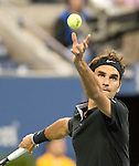 Roger Federer (SUI)  takes the first set from Sam Groth (AUS)