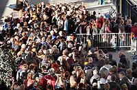Nederland  Den Bosch maart 2019. Stroomstoring bij de NS.  Rijen wachtenden voor vervangend vervoer.    Foto Berlinda van Dam / Hollandse Hoogte