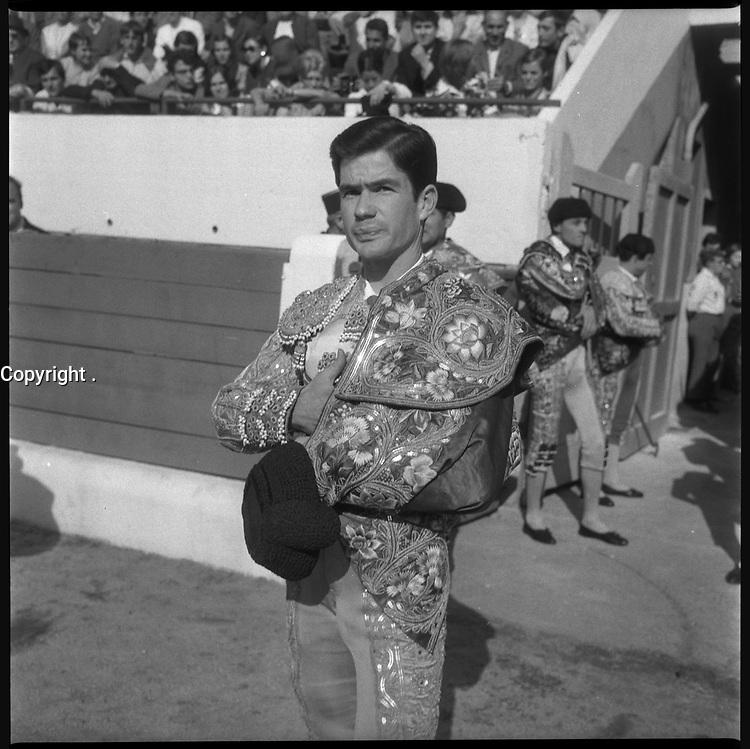 15 Septembre 1968. Vue de l'entrée du torero Marquez dans les arènes de Toulouse.