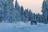 Europe/Finlande/Laponie/Env de Levi: route de montagne en hiver