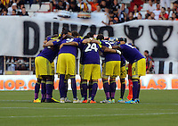Valencia, Spain. Thursday 19 September 2013<br /> Pictured: Swansea players huddle before kick off.<br /> Re: UEFA Europa League game against Valencia C.F v Swansea City FC, at the Estadio Mestalla, Spain,