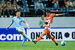 Jiangsu FC Midfielder Wu Xi (L) in action against Jeju United FC Midfielder Lee Chandong (R) during the AFC Champions League 2017 Group H match between Jeju United FC (KOR) vs Jiangsu FC (CHN) at the Jeju World Cup Stadium on 22 February 2017 in Jeju, South Korea. Photo by Marcio Rodrigo Machado / Power Sport Images