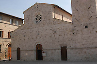 Chiesa di San Tommaso, stile Romanico. Church of St. Thomas, Style Romanesque...