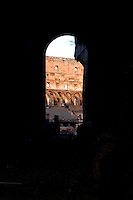 ROMA-ITALIA- 12-09-2004. Coliseo Romano en Roma, Italia, septiembre 12 de 2004. Roman Colisseum in Rome Italy on September 12, 2004. (Photo: VizzorImage/Luis Ramirez)...............