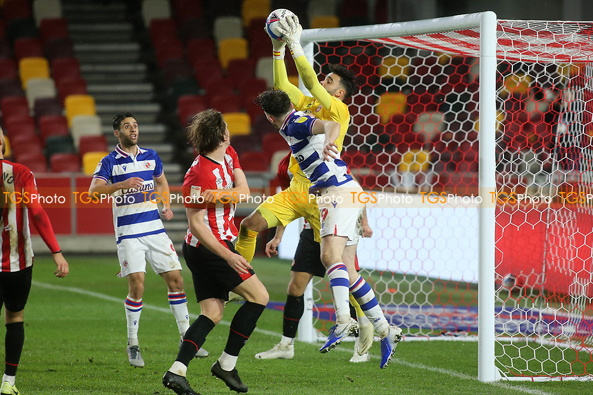 Brentford goalkeeper, David Raya, makes a fine save during Brentford vs Reading, Sky Bet EFL Championship Football at the Brentford Community Stadium on 19th December 2020