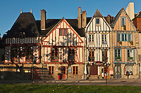 Europe/France/Bretagne/56/Morbihan/Vannes: Vieilles maisons à colombage sur l'esplanade du port
