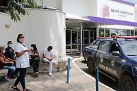 Campinas (SP), 03/03/2021 - Protesto - Funcionarios se reunem em frente ao Hospital Metropolitano, na tarde desta quarta-feira (3).