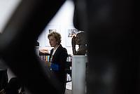 """Ausstellungseroeffnung """"Der saure und der faule Apfel"""" – 12 plastische Portraets und eine Figur der Berliner Bildhauerin Christiane Roessler in der junge Welt-Ladengalerie am Dienstag den 15. Dezember 2015.<br /> Sie hat in den vergangenen Jahren Bronzen von Volker Braun, Hermann Kant, Inge Keller, Wolfgang Kohlhaase, Gisela May, Werner Mittenzwei, Robert Weimann, Manfred Wekwerth und anderen angefertigt.<br /> 15.12.2015, Berlin<br /> Copyright: Christian-Ditsch.de<br /> [Inhaltsveraendernde Manipulation des Fotos nur nach ausdruecklicher Genehmigung des Fotografen. Vereinbarungen ueber Abtretung von Persoenlichkeitsrechten/Model Release der abgebildeten Person/Personen liegen nicht vor. NO MODEL RELEASE! Nur fuer Redaktionelle Zwecke. Don't publish without copyright Christian-Ditsch.de, Veroeffentlichung nur mit Fotografennennung, sowie gegen Honorar, MwSt. und Beleg. Konto: I N G - D i B a, IBAN DE58500105175400192269, BIC INGDDEFFXXX, Kontakt: post@christian-ditsch.de<br /> Bei der Bearbeitung der Dateiinformationen darf die Urheberkennzeichnung in den EXIF- und  IPTC-Daten nicht entfernt werden, diese sind in digitalen Medien nach §95c UrhG rechtlich geschuetzt. Der Urhebervermerk wird gemaess §13 UrhG verlangt.]"""