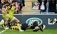 Photo: Richard Lane/Richard Lane Photography. Wasps v Leicester Tigers. Aviva Premiership. Semi Final. 20/05/2017. Wasps' Kurtley Beale dives in for a try.
