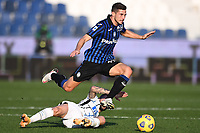 Remo Freuler of Atalanta BC and Marcelo Brozovic of FC Internazionale compete for the ball during the Serie A football match between Atalanta BC and FC Internazionale at Gewiss stadium in Bergamo (Italy), November 8th, 2020. Photo Image Sport / Insidefoto