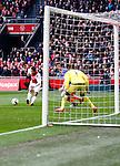 Nederland, Amsterdam, 7 februari 2016<br /> Eredivisie<br /> Seizoen 2015-2016<br /> De Klassieker <br /> Ajax-Feyenoord<br /> Amin Younes van Ajax schiet de 1-1 binnen.