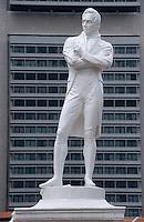 Asie/Singapour/Singapour: Détail d'une statue sur Elgin Bridge - Statue de Sir Thomas Stamford Raffles par Thomas Woolner
