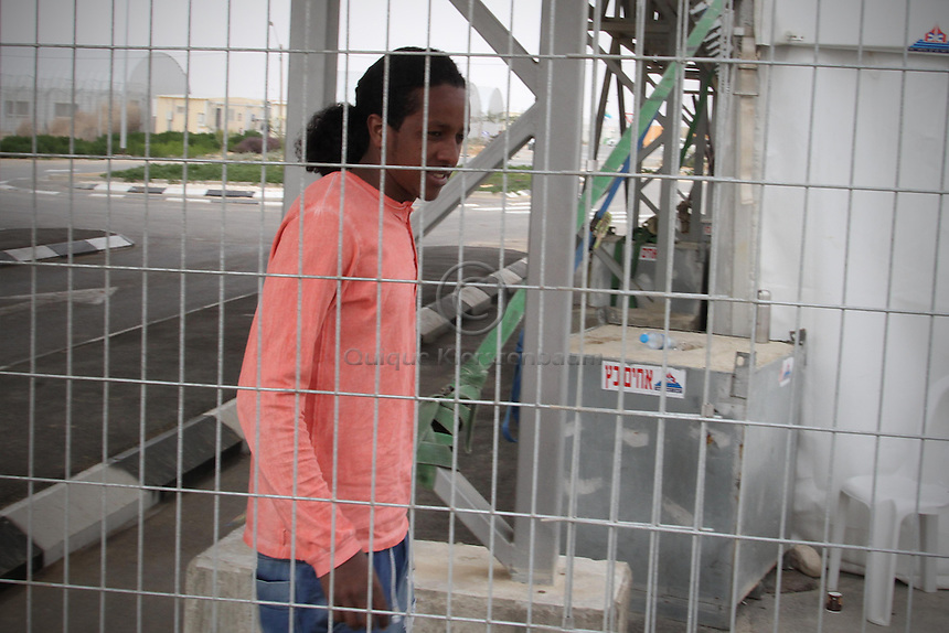 Shishay Teweldemedihin is seen at the detention center Holot, in the Negev dessert in Israel. Around 350 African refugees are been held in Holot detention center, despite big demonstrations held in Tel Aviv and Jerusalem against the detention. Photo: Quique Kierszenbaum