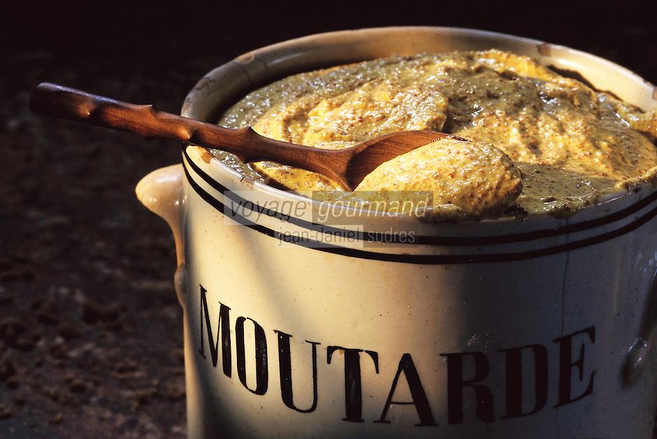 Europe/France/Auvergne/03/Allier/Charroux: Moutarde de Charroux