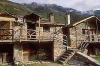 - Valtellina, mountain village over Pontedilegno  ....- Valtellina, paese di montagna sopra Pontedilegno  ..