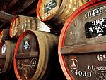 Portugal, Madeira, Funchal - Weinfaesser in der San Francisco Wine Lodge | Portugal, Madeira, Funchal - wine casks at San Francisco Wine Lodge
