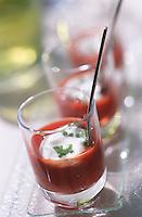 """Europe/France/Languedoc-Roussillon/34/Herault/Montpellier: Crème de tomate crue , recette de Phillipe Chapon Chef du Restaurant """"Tamarillos"""""""