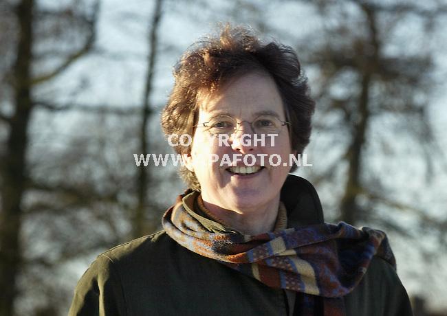 Wageningen, 090103<br />Loes van Vloten, plantenziektenkundige dienst.<br />Foto: Sjef Prins - APA