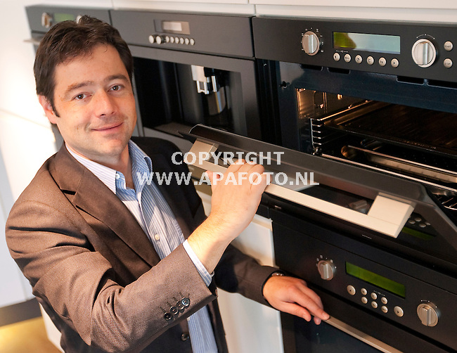 Duiven 220910 Vincent Hofstee van ATAG keukenapperatuur<br /> <br /> Foto Frans Ypma APA-foto