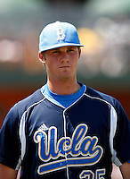 Charles Brewer - UCLA Bruins .Photo by:  Bill Mitchell/Four Seam Images