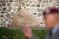"""Auf dem Gelaende des Einsatzfuehrungskommando der Bundeswehr, der Henning-von-Tresckow-Kaserne bei Potsdam, wurde ein Ehrenhain zum Gedenken an die im Einsatz verstorbenen Bundeswehrangehoerigen eingerichtet. In diesem """"Wald der Erinnerunge"""" sind die Gedenkhaine aus den Einsatzgebieten der Bundeswehr errichtet worden. Zum Teil originalgetreu nachgebildet von den Orten in denen die Bundeswehr eingesetzt war und Angehoerige verstorben sind.<br /> Im Bild: Der Ehrenhain Feyzabad/Afghanistan.<br /> 14.11.2014, Potsdam<br /> Copyright: Christian-Ditsch.de<br /> [Inhaltsveraendernde Manipulation des Fotos nur nach ausdruecklicher Genehmigung des Fotografen. Vereinbarungen ueber Abtretung von Persoenlichkeitsrechten/Model Release der abgebildeten Person/Personen liegen nicht vor. NO MODEL RELEASE! Don't publish without copyright Christian-Ditsch.de, Veroeffentlichung nur mit Fotografennennung, sowie gegen Honorar, MwSt. und Beleg. Konto: I N G - D i B a, IBAN DE58500105175400192269, BIC INGDDEFFXXX, Kontakt: post@christian-ditsch.de<br /> Urhebervermerk wird gemaess Paragraph 13 UHG verlangt.]"""