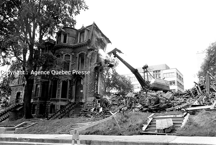 MONTREAL, CANADA - File Photo - Demolition of historic Victorian houses in the Golden Square Mile in August 1973 .<br /> <br /> File Photo : Agence Quebec Presse - Alain Renaud