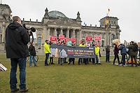 Mitglieder der Umweltorganisation BUND und von campact protestierten am Freitag den 6. Maerz 2020 vor dem Reichstagsgebaeude anlaesslich der Diskussion zum Kohlegesetz im Deutschen Bundestag.<br /> Sie forderten einen Stopp des Kohlekraftwerk Datteln-4 (im Bild) in Nordrhein-Westfalen und einen schnelleren Ausstieg aus der Kohleverstromung als 2038.<br /> 6.3.2020, Berlin<br /> Copyright: Christian-Ditsch.de<br /> [NUR FUER REDAKTIONELLE ZWECKE! Werbung nur auf Anfrage beim Fotografen. Inhaltsveraendernde Manipulation des Fotos nur nach ausdruecklicher Genehmigung des Fotografen. Vereinbarungen ueber Abtretung von Persoenlichkeitsrechten/Model Release der abgebildeten Person/Personen liegen nicht vor. NO MODEL RELEASE! Don't publish without copyright Christian-Ditsch.de, Veroeffentlichung nur mit Fotografennennung, sowie gegen Honorar, MwSt. und Beleg. Konto: I N G - D i B a, IBAN DE58500105175400192269, BIC INGDDEFFXXX, Kontakt: post@christian-ditsch.de<br /> Bei der Bearbeitung der Dateiinformationen darf die Urheberkennzeichnung in den EXIF- und  IPTC-Daten nicht entfernt werden, diese sind in digitalen Medien nach §95c UrhG rechtlich geschuetzt. Der Urhebervermerk wird gemaess §13 UrhG verlangt.]