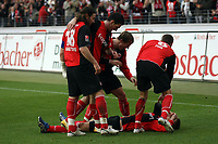 Torjubel Eintracht Frankfurt um Torschuetze Faton Toski<br /> Eintracht Frankfurt vs. VfL Bochum, Commerzbank Arena<br /> *** Local Caption *** Foto ist honorarpflichtig! zzgl. gesetzl. MwSt. Auf Anfrage in hoeherer Qualitaet/Aufloesung. Belegexemplar an: Marc Schueler, Am Ziegelfalltor 4, 64625 Bensheim, Tel. +49 (0) 6251 86 96 134, www.gameday-mediaservices.de. Email: marc.schueler@gameday-mediaservices.de, Bankverbindung: Volksbank Bergstrasse, Kto.: 151297, BLZ: 50960101