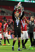 David de Gea of Manchester United holds aloft the trophy after the EFL Cup Final match<br /> Londra Wembley Stadium Southampton vs Manchester United - EFL League Cup Finale - 26/02/2017 <br /> Foto Phcimages/Panoramic/Insidefoto