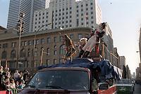 Defile de la Saint-Patrick, vers 1980 (date exacte inconnue)<br /> <br /> PHOTO : Agence Quebec Presse