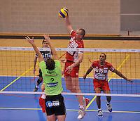 Volley Team Menen - Hotvolleys Wenen : Nemec met de smash<br /> foto VDB / Bart Vandenbroucke