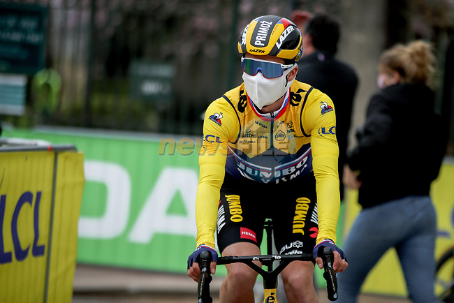 Yellow Jersey Primoz Rogloc (SLO) Team Jumbo-Visma arrives at sign on before Stage 5 of Paris-Nice 2021, running 200km from Vienne to Bollene, France. 11th March 2021.<br /> Picture: ASO/Fabien Boukla | Cyclefile<br /> <br /> All photos usage must carry mandatory copyright credit (© Cyclefile | ASO/Fabien Boukla)