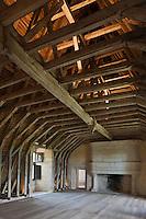 Europe/France/Aquitaine/24/Dordogne/ Villars: Château de Puyguilhem - La Charpente en chêne en forme de carène de bateau renversée.