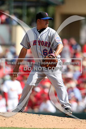 March 20, 2010:  Relief Pitcher Elmer Dessens (64) of the New York Mets during a Spring Training game at Roger Dean Stadium in Jupiter, FL.  Photo By Mike Janes/Four Seam Images