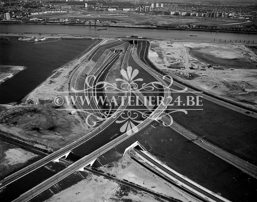 Mei 1970. De ingang van de Kennedytunnel op Antwerpen Linkeroever.