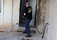CAMPINAS, SP 26.07.2019 - DINAMITE - A policia civil de Campinas encontrou uma dinamite no corredor de uma residencia na rua Benedita de Camargo Penteado, Jd Novo Londres. (Foto: Denny Cesare/Codigo19)