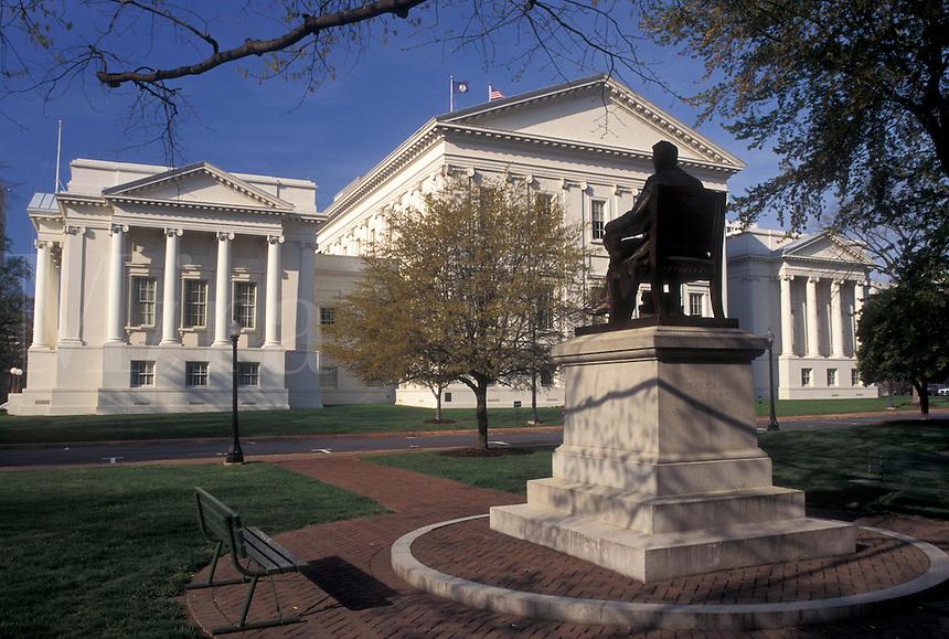 State Capitol, Richmond, VA, State House, Virginia, Statue on Capitol Square at The Virginia State Capitol in the capital city of Richmond.