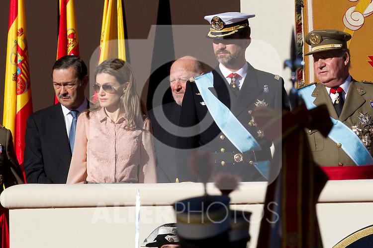 MADRID (12/10/2010).- Princess Letizia, Prince Felipe, Princess Elena, Princess Cristina and Inaki Urdangarin, King Juan Carlos and Queen Sofia attend the military parade at Spain`s National Day in Madrid. Pictured ...Photo: Cesar Cebolla / ALFAQUI