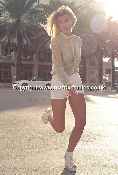 EXCLUSIVE PICTURE: MATRIXSTUDIOS.CO.UK.PLEASE CREDIT ON ALL USES..WORLD RIGHTS...***FEES TO BE AGREED BEFORE USE***..Camille Neviere Miami shoot..REF: MRA 112819